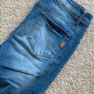 1822 Denim Jeans - Distressed 1822 denim capris
